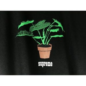 Supreme Plant Tee-Shirt Authentic